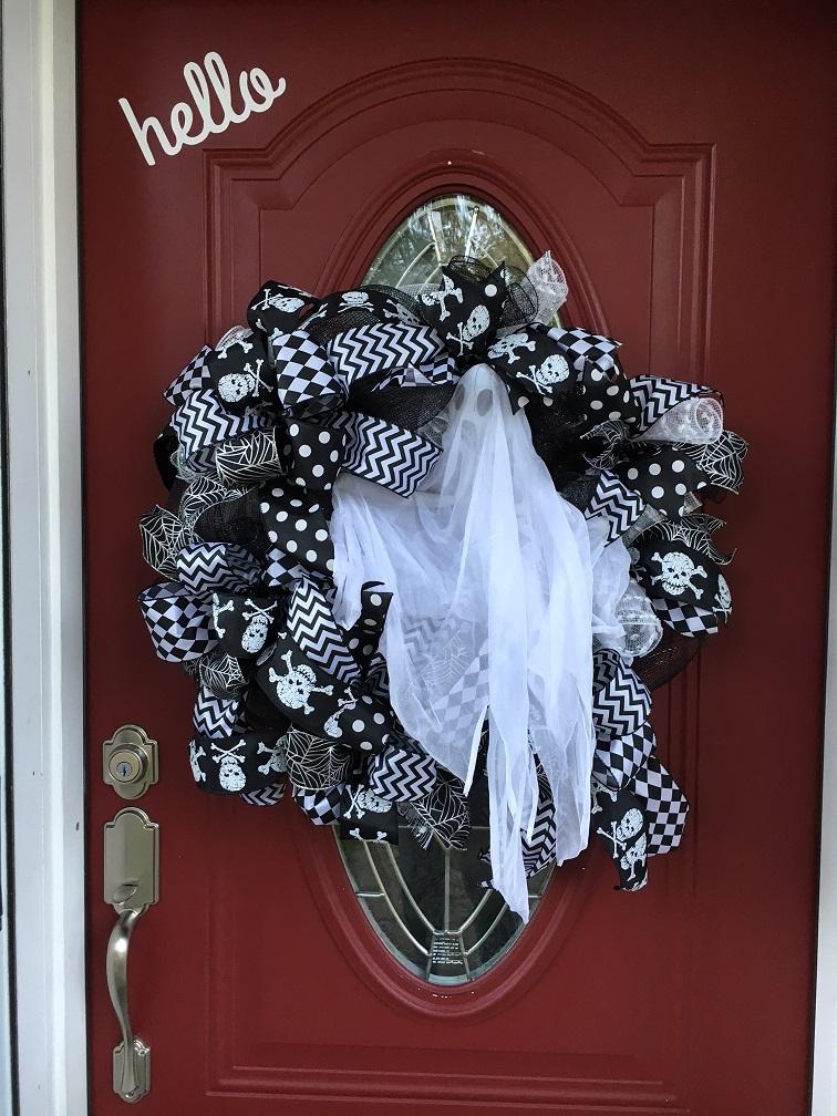 halloween spooky ghost wreath ghost 1