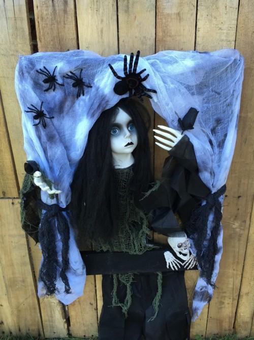halloween decorations halloween wreaths halloween door wreaths creepy doll halloween. Black Bedroom Furniture Sets. Home Design Ideas