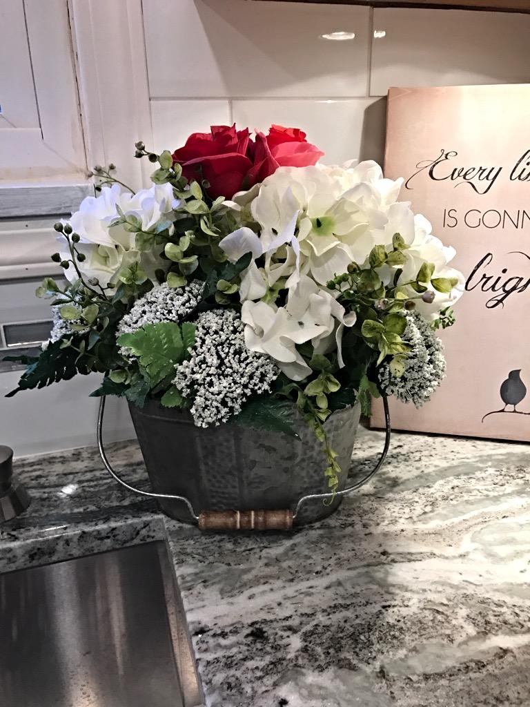 Spring centerpiece flower arrangement