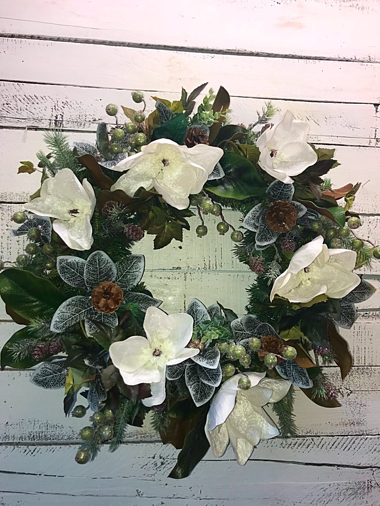 ... Front Door Wreath, Magnolia Wreath, Decorative Wreath. ; 