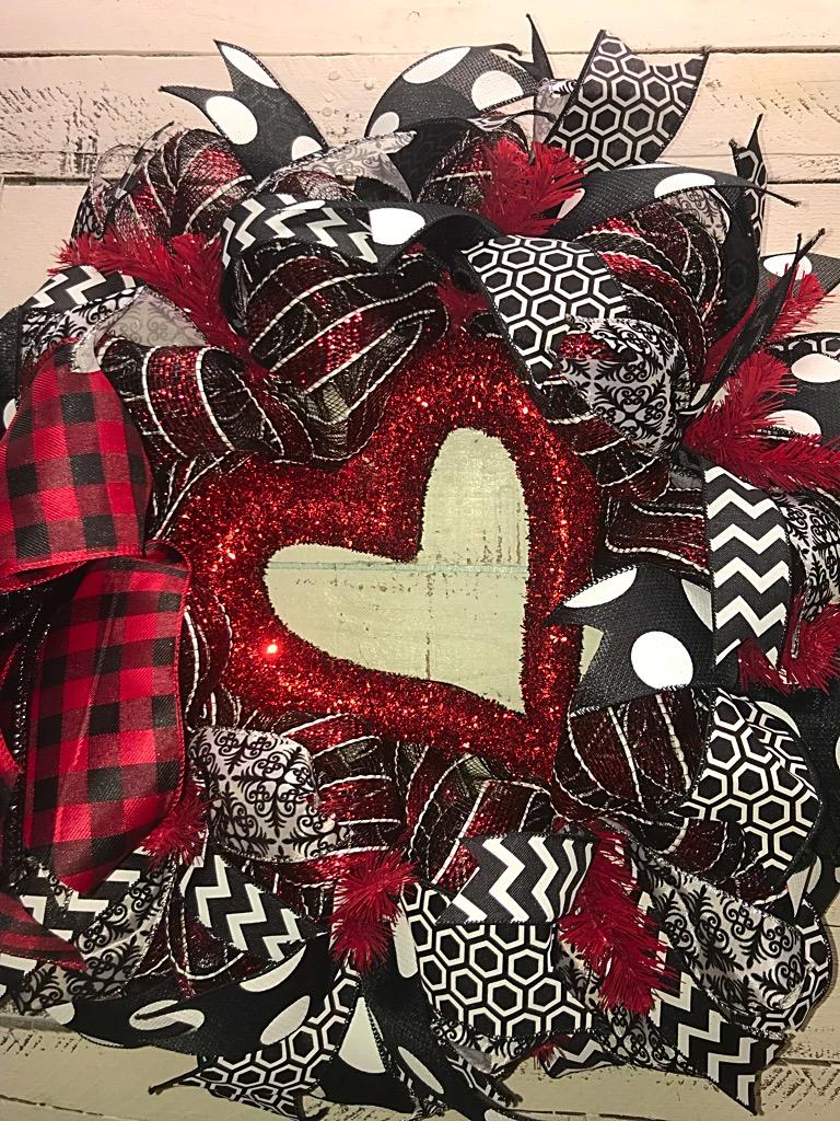 Valentines day wreath valentines wreath heart wreath front door decorative wreath valentines home decor 20180103024333438ios 20180103001217975ios 20180103001231572ios 20180103001251786ios rubansaba
