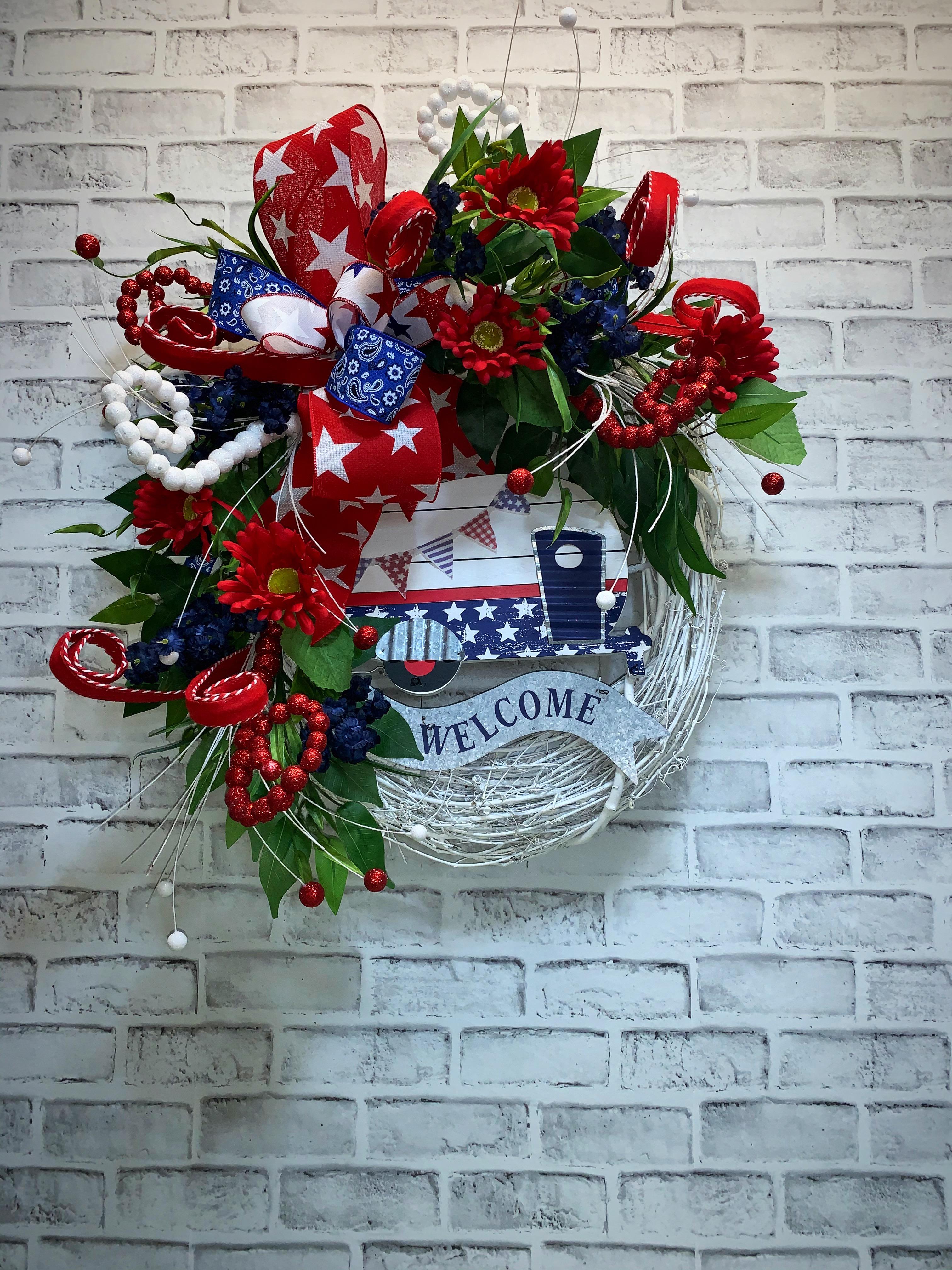 Patriotic Wreath Free Shipping Patriotic Camper Wreath Summer Wreath Summer Camper Red White Blue Patriotic Door Wreath 4th Of July Wreath Summer Decor Home Decor Handmade Wreaths Wreaths For Sale Decorative Wreath